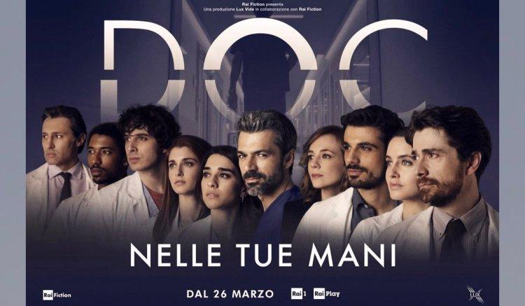 Doc-Nelle-tue-mani-locandina-della-fiction-con-Luca-Argentero-nei-panni-di-Andrea-Fanti-e-il-resto-del-cast-Credits-RAI